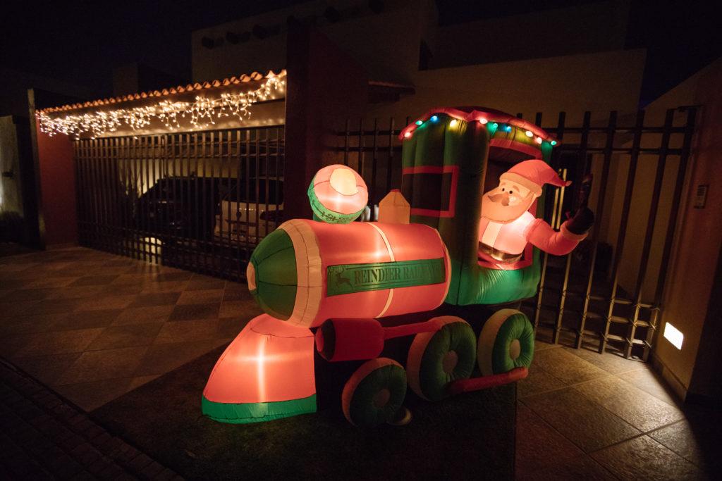 Weihnachtsmann in Eisenbahn