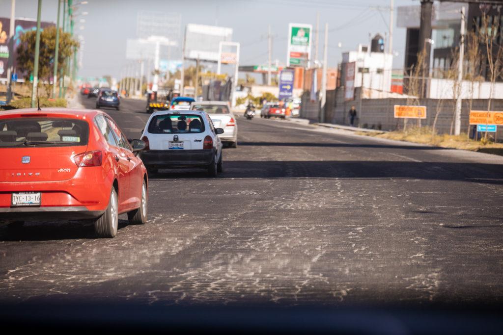Straßenbelag auf dem periférico anillo Puebla