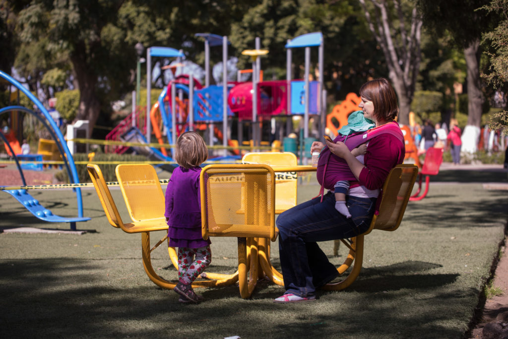 Picknicktisch am Spielplatz