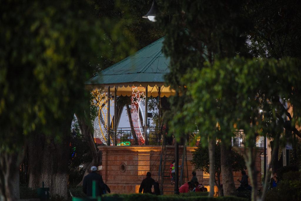 Pavillon am zócalo mit Beleuchtung