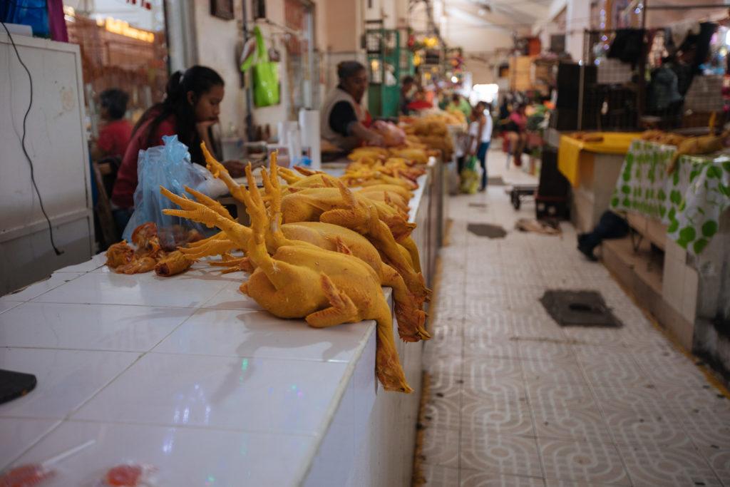 Hühner im mercado Benito Juárez Atlixco