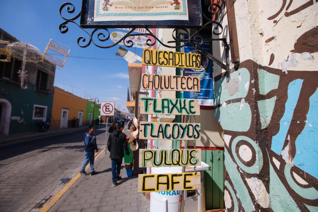Schild für mexikanisches Essen und Agavenwein
