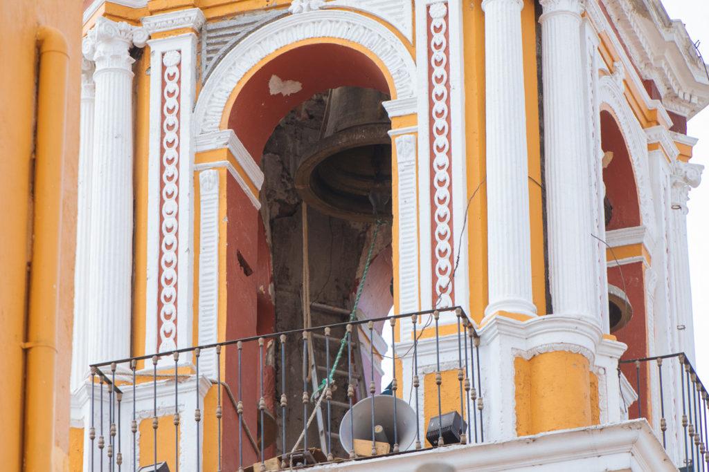 Risse im Glockenturm der Virgen de los Remedios