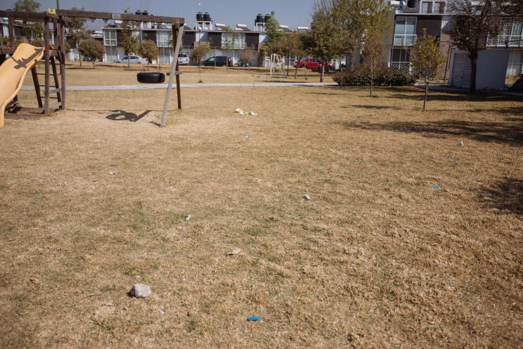 Müll auf dem Spielplatz, El Pilar, Cuautlancingo, Puebla