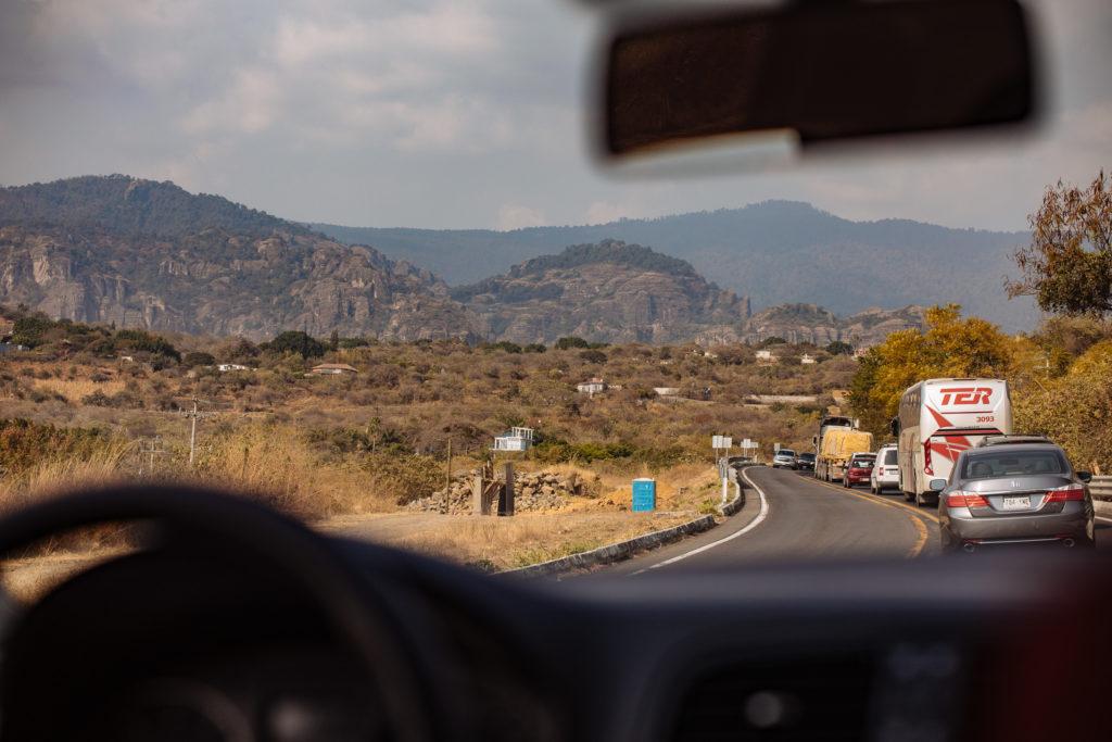 Stau Richtung Tepoztlán und Berge