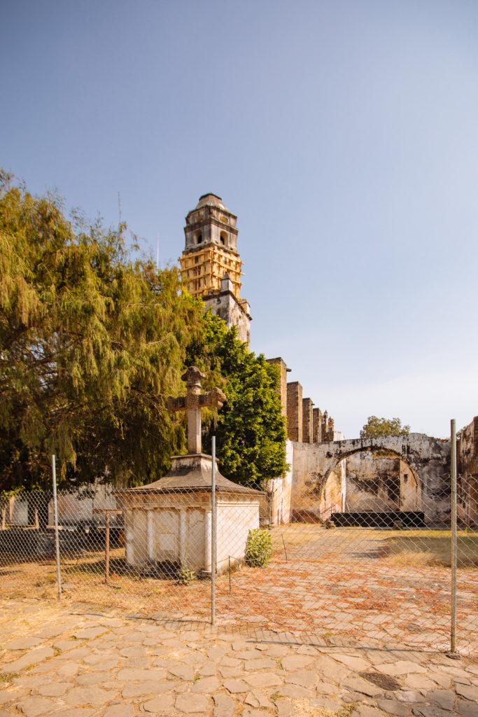 Klosterturm mit Stützbalken