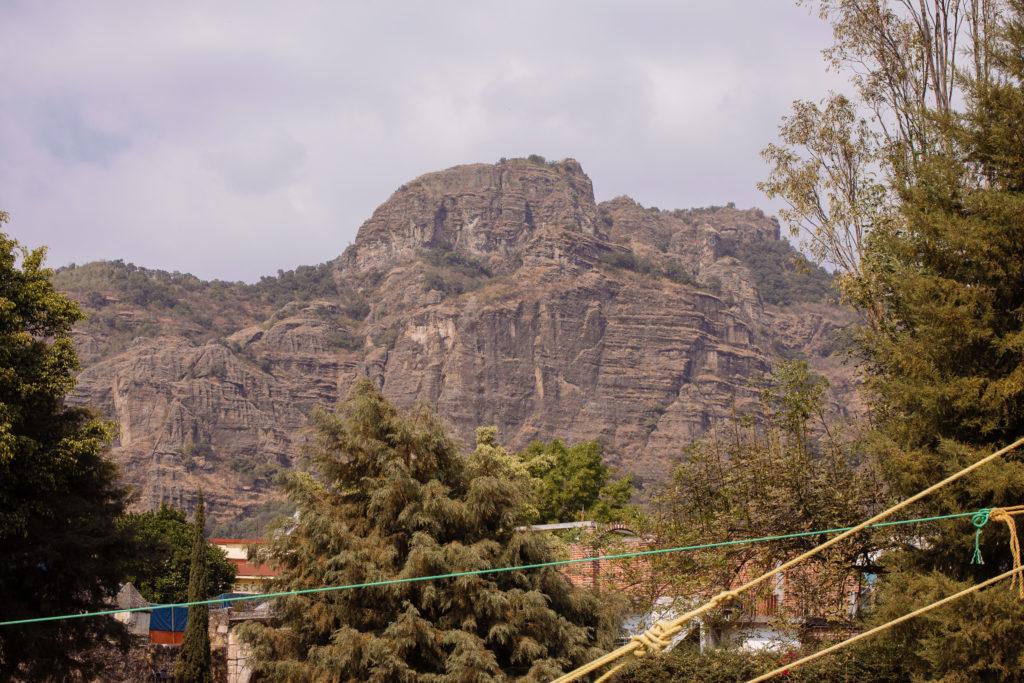 Kreuz in den Bergen bei Tepoztlán