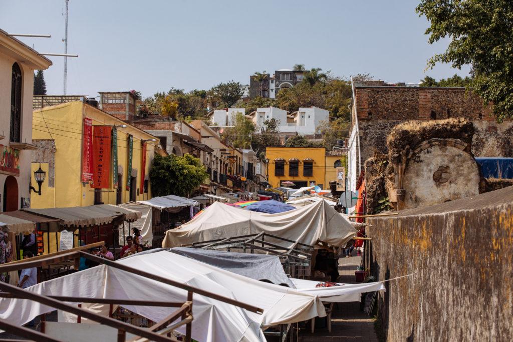 Dächer des Straßenmarkts