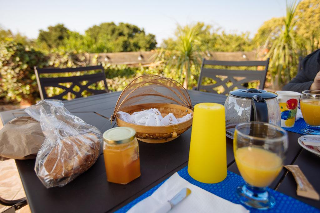 Körbchen und miél organico vom Café Yaguar