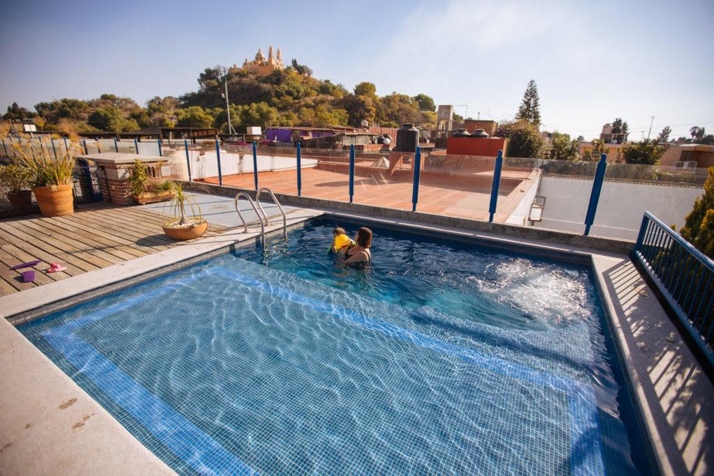 Pool Estrella de Belem und Pyramide von Cholula