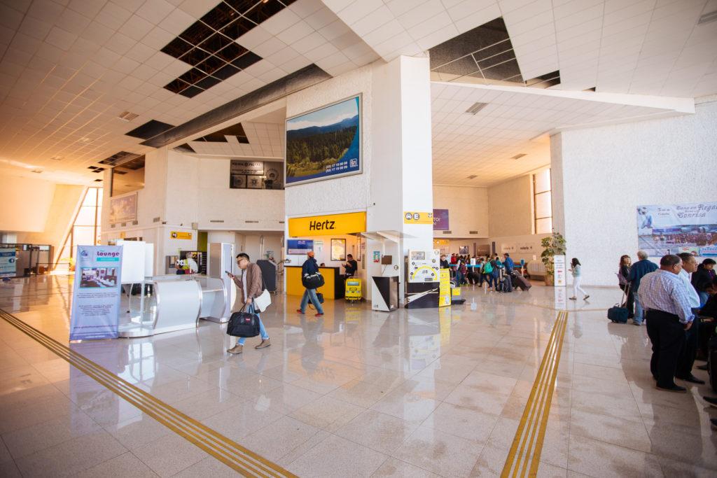 Hertz-Stand am Flughafen Puebla