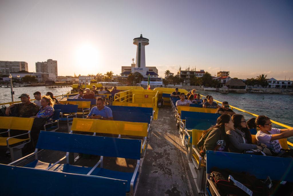 Sicht von der Ultramarfähre zum Puerto Juárez
