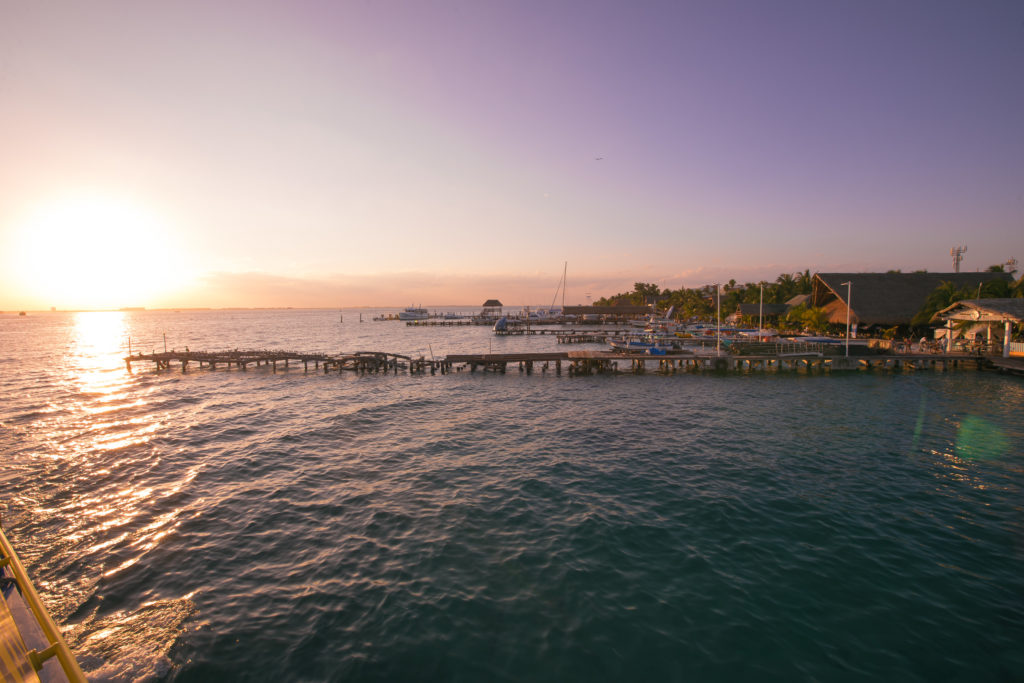 Stege mit Sonnenuntergang Isla Mujeres