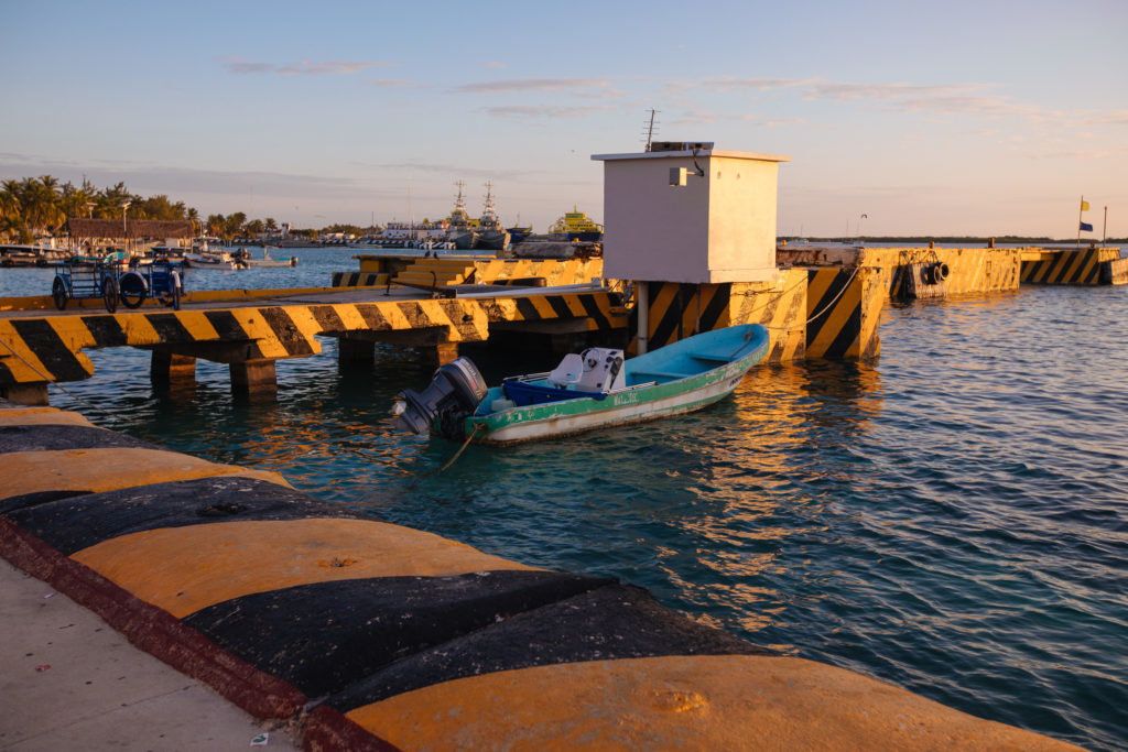 Fischerboot, Lastenrad, Kai