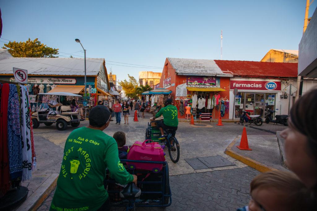 Zentrum Isla Mujeres mit Lastenrad