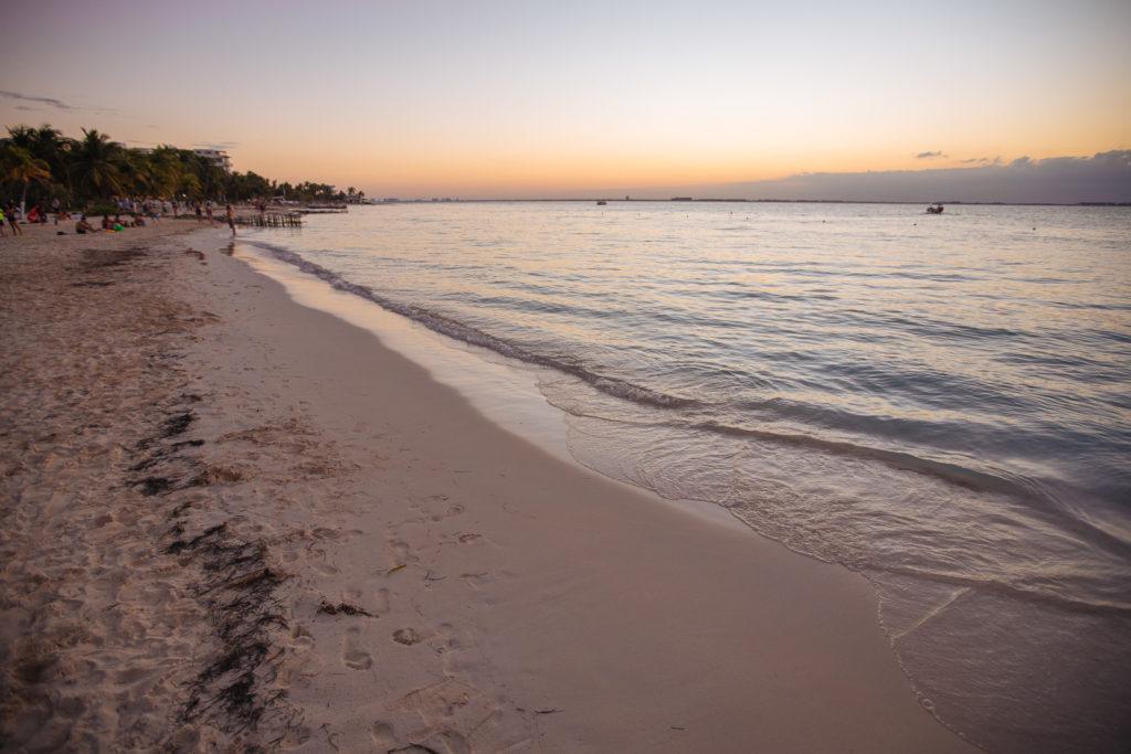 Meer und Dämmerung an der Playa Norte