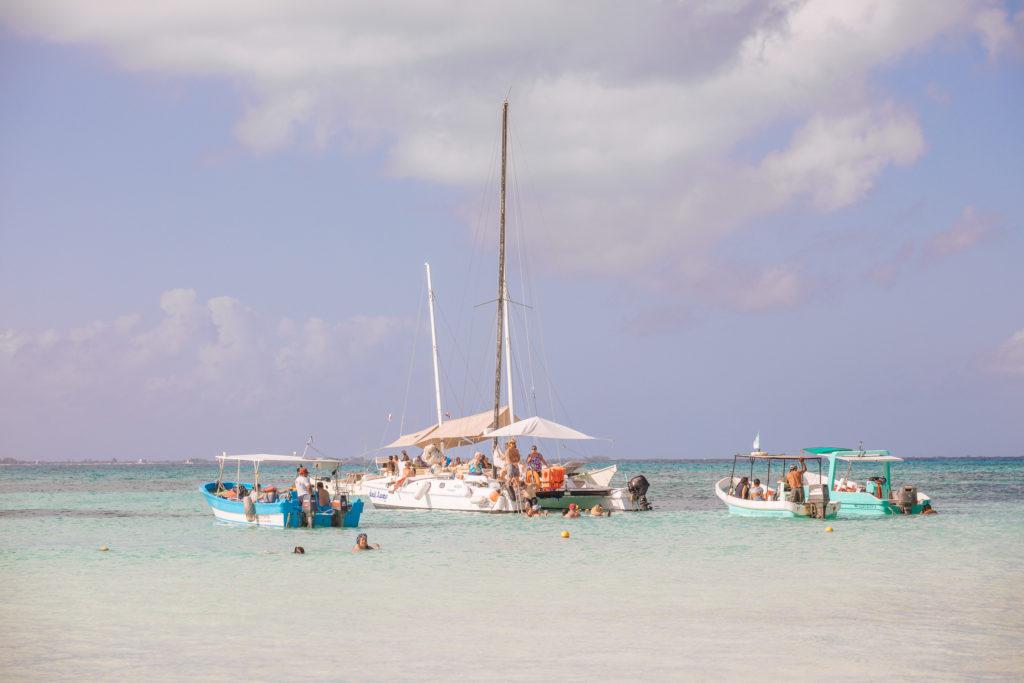 Yachten und Boote vor Isla Mujeres