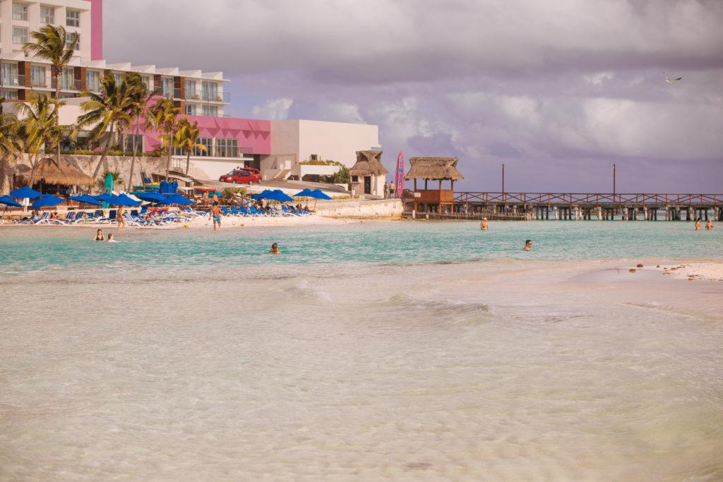 Graben zum Mia Reef Resort