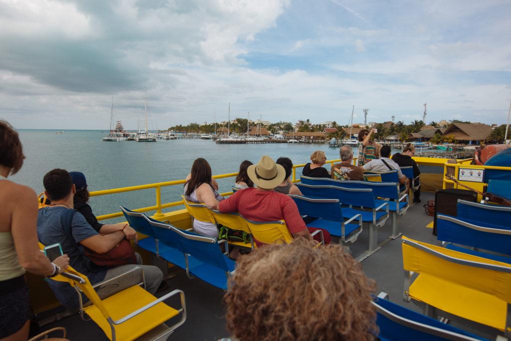 Ferry Ultramar bei der Abfahrt von Isla Mujeres