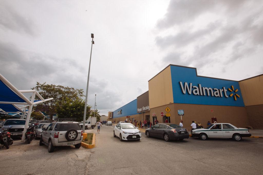 Walmart Cancun Centro