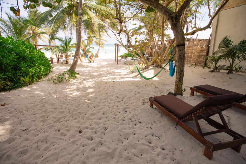Weg zum Strand von der einzeln stehenden cabaña aus