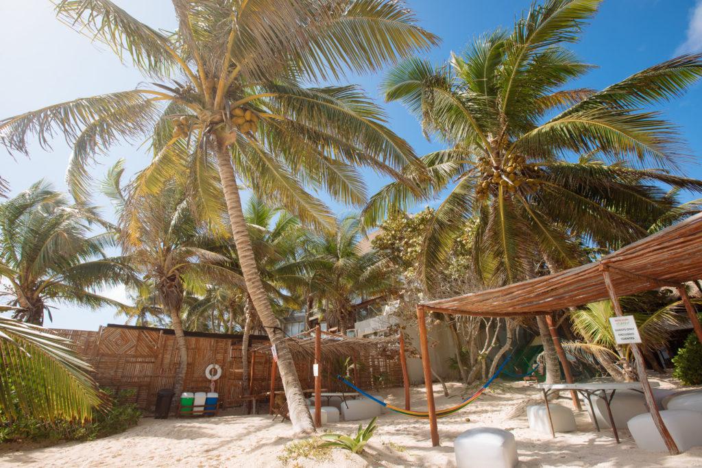 Playa Xcanans Strand in der Vormittagssonne