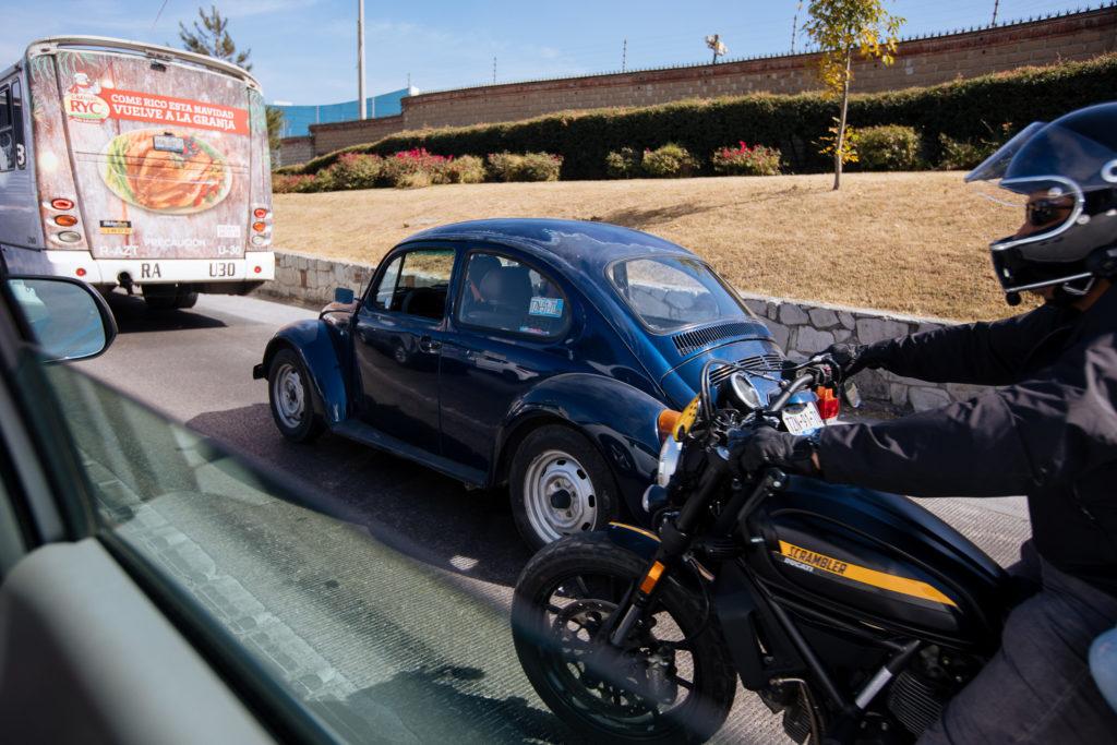 Motorrad, Käfer und Bus