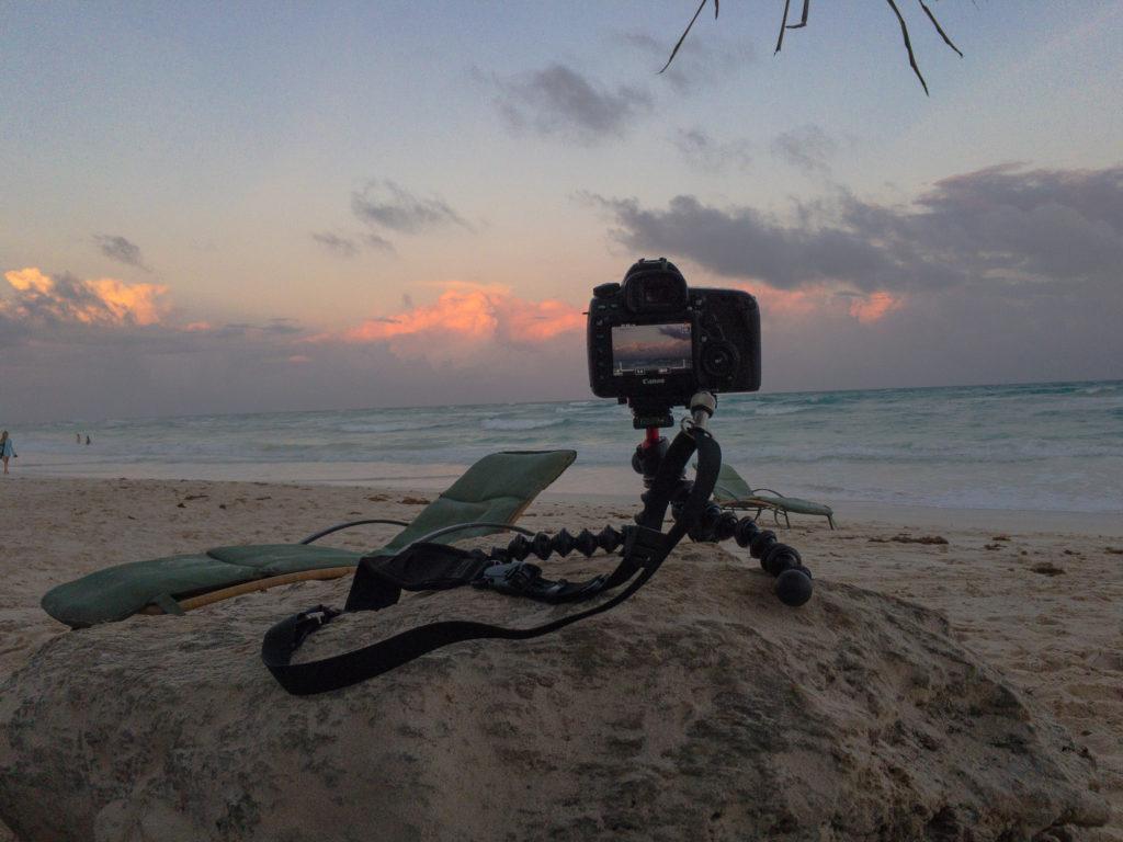 5DIV auf Gorillapod SLR Zoom filmt Sonnenuntergang in Tulum