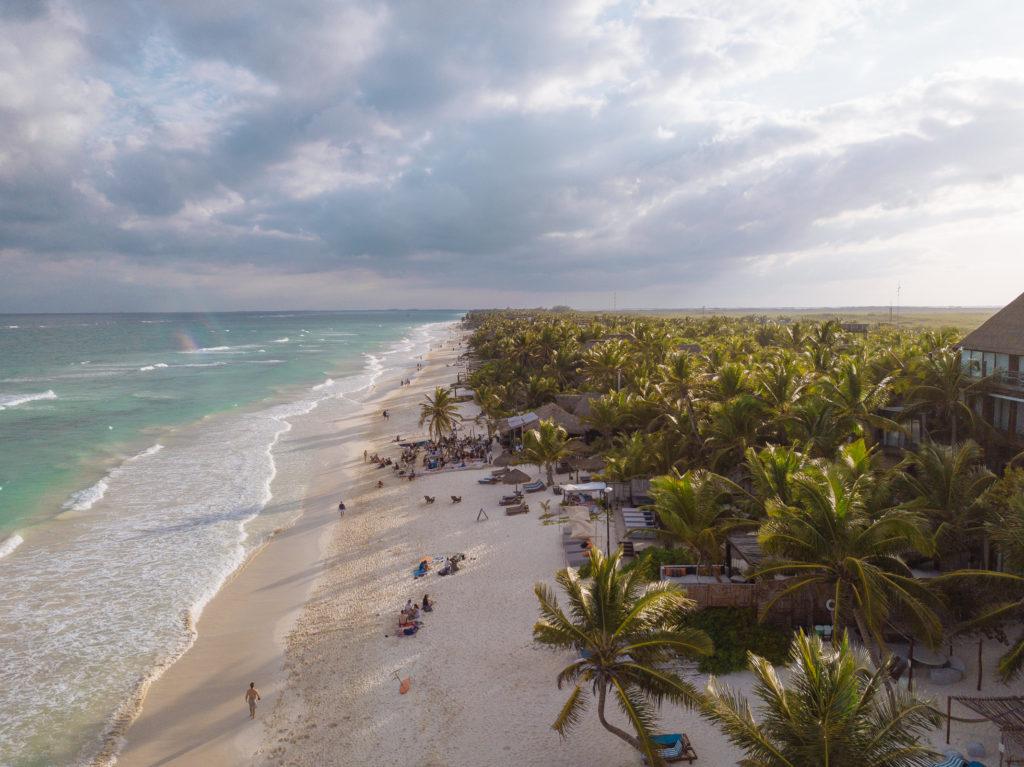 Drohnensicht nach Süden vor der Playa Xcanan