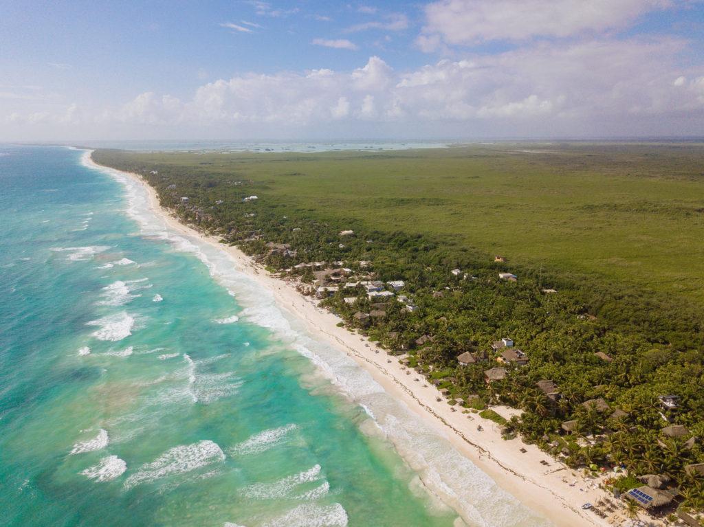 Tulum Playa mit Sian Ka'an im Hintergrund