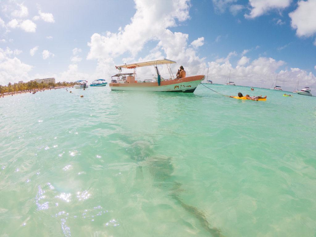 Mitberliner auf Boot und Luftmatratze