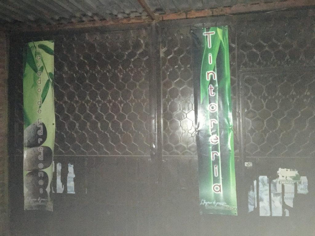 Verschlossene Türen an der lavandería BambooClean