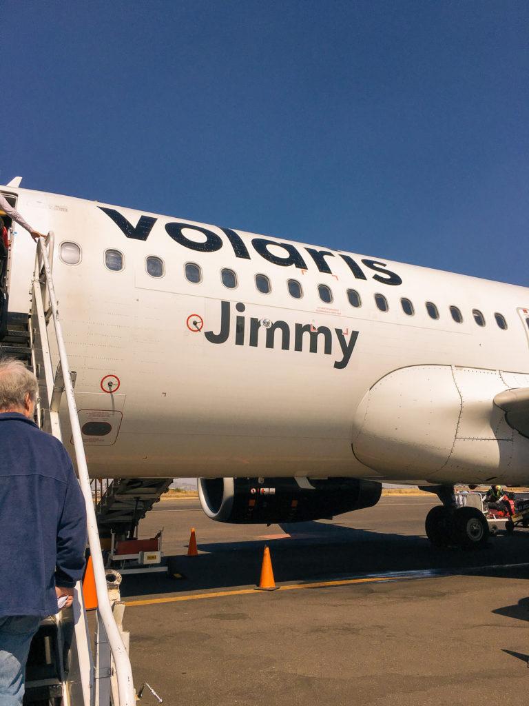 Volarisflugzeug Jimmy am Flughafen Puebla