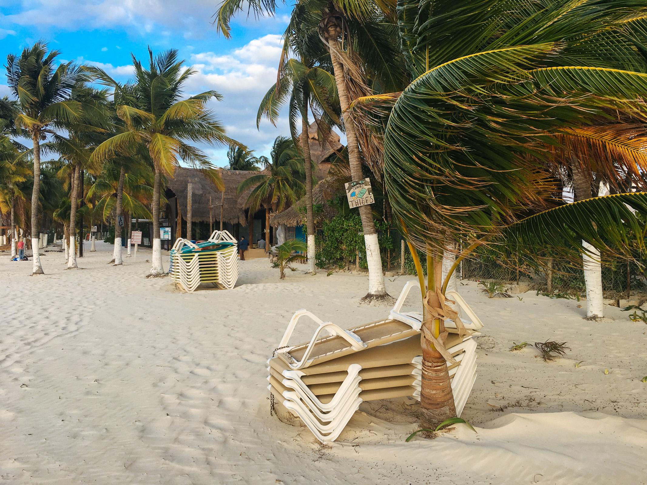 Blick auf Strandrestaurant Buho