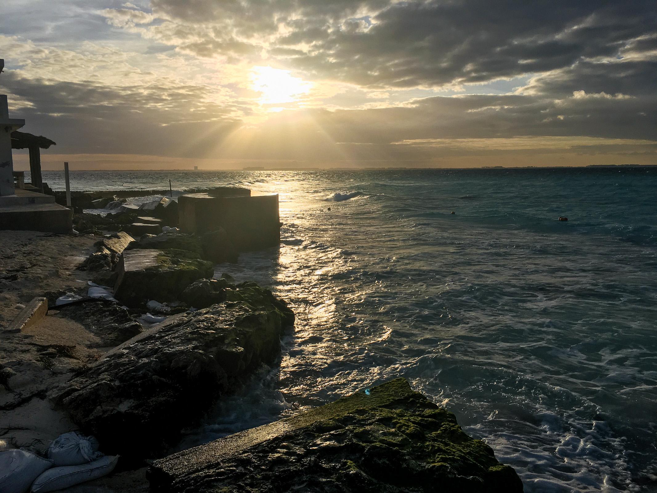 Sonne am Westende der Playa Norte